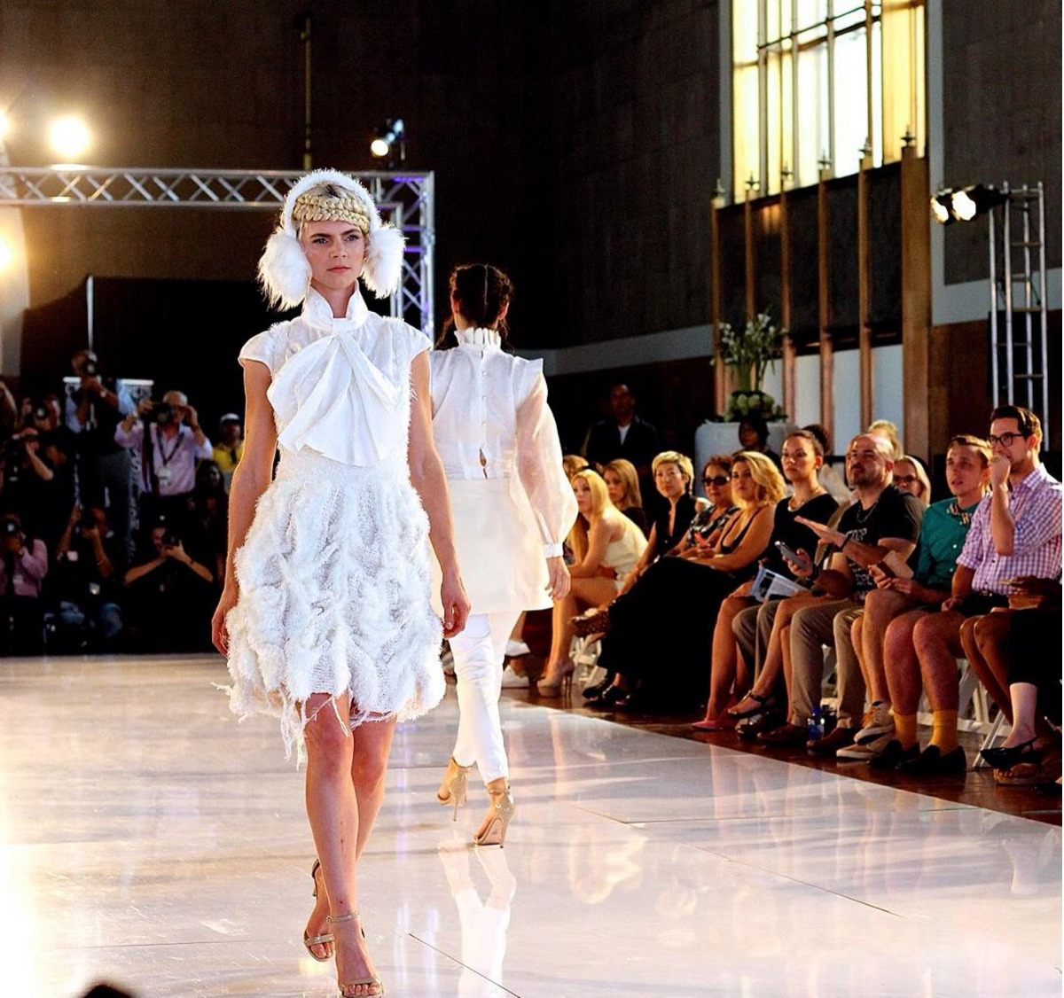 Ice queens taking their turn down the runway for the Araksi Balyan LAFW show. Luxe Group Key Stylist Eric Garza. Photo by Liz Abrams.