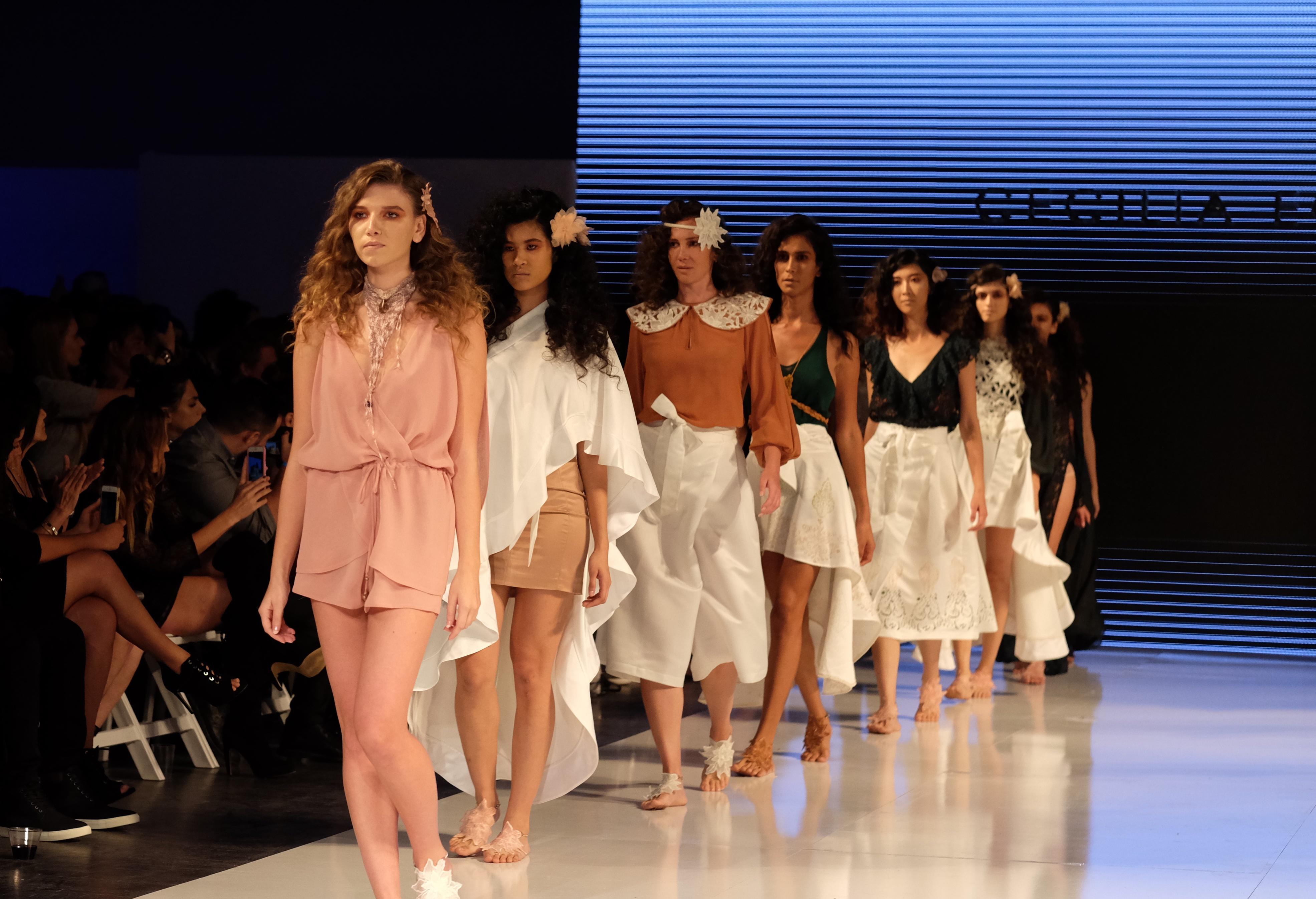 LAFW S/S17 Designer: Cecilia Echenique Lead Hair: Luxelab Editorial Director Jen Beckerman Photo: Liz Abrams