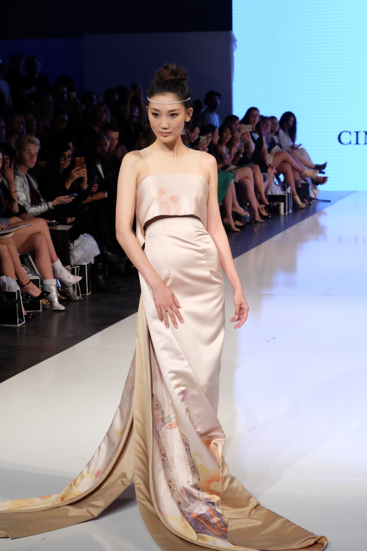 LAFW S/S17 Designer: Cindy Wei Zhang Lead Hair: Luxelab Creative Director Lauren Sill Photo: Liz Abrams