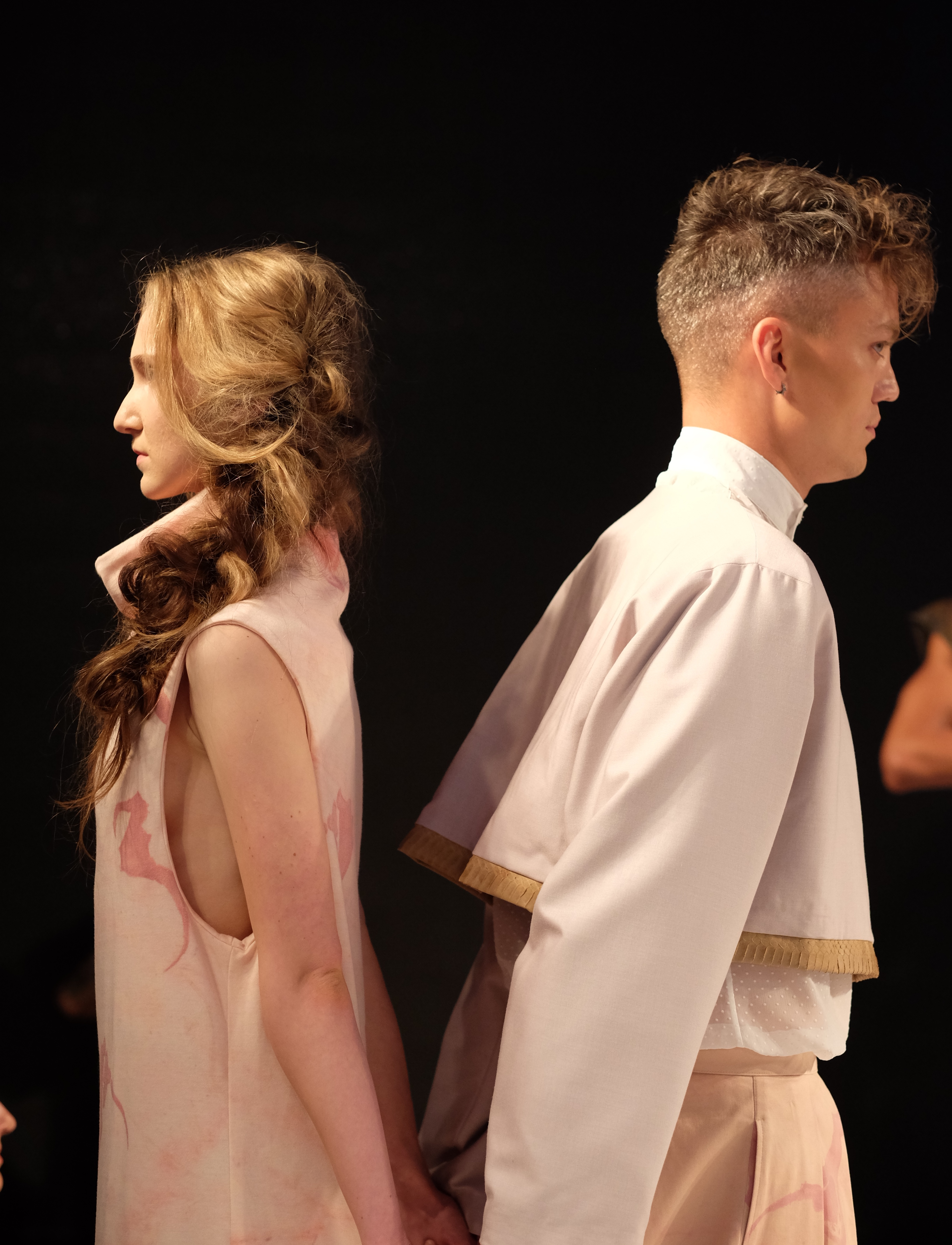 LAFW S/S17 Designer: Rickyy Wong Lead Hair: Luxelab Bel Air Stylists Timothy Ro Photo: Liz Abrams